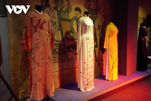 Phụ nữ Việt Nam ở nước ngoài tôn vinh vẻ đẹp Việt qua áo dài - ảnh 2
