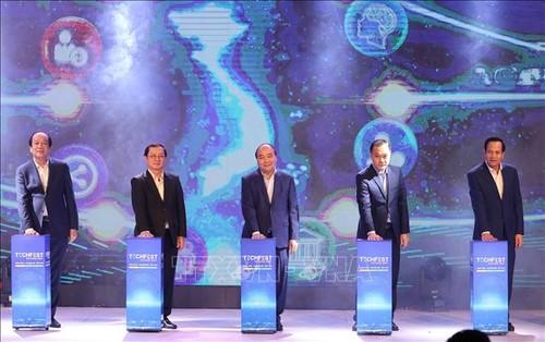 Thủ tướng Nguyễn Xuân Phúc dự Diễn đàn Thanh niên khởi nghiệp 2020 - ảnh 1