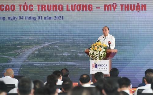 Thủ tướng phát lệnh khởi công đường cao tốc Mỹ Thuận - Cần Thơ và thông xe tuyến Trung Lương - Mỹ Thuận - ảnh 1