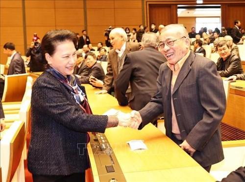 Chủ tịch Quốc hội Nguyễn Thị Kim Ngân chúc Tết cán bộ Văn phòng Quốc hội đã nghỉ hưu - ảnh 1