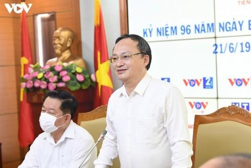 Trưởng ban Tuyên giáo Trung ương thăm chúc mừng Đài Tiếng nói Việt Nam - ảnh 3