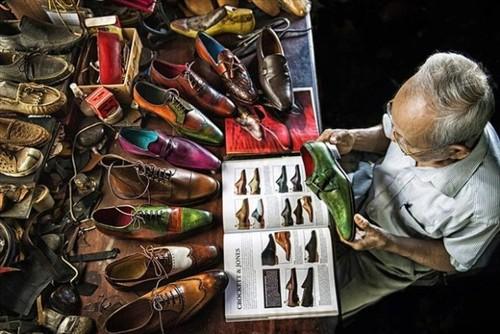 """Tác phẩm """"Nghệ nhân đóng giày tuổi 90"""" đoạt Huy chương Bạc thi ảnh quốc tế  - ảnh 1"""