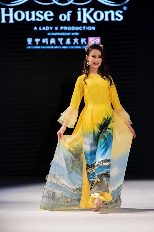 """Áo dài Việt Nam """"đốn tim """" khán giả thời trang London  - ảnh 16"""