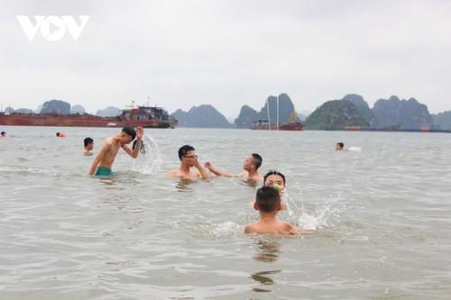 Bãi tắm mới trên đường bao biển Hạ Long sẽ khai trương dịp nghỉ lễ 30/4 - ảnh 11