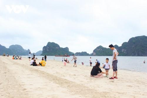Bãi tắm mới trên đường bao biển Hạ Long sẽ khai trương dịp nghỉ lễ 30/4 - ảnh 6
