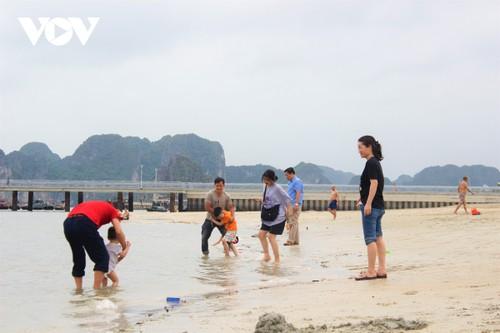 Bãi tắm mới trên đường bao biển Hạ Long sẽ khai trương dịp nghỉ lễ 30/4 - ảnh 7