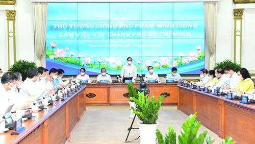 Le Premier ministre Pham Minh Chinh travaille avec Hô Chi Minh-ville - ảnh 1