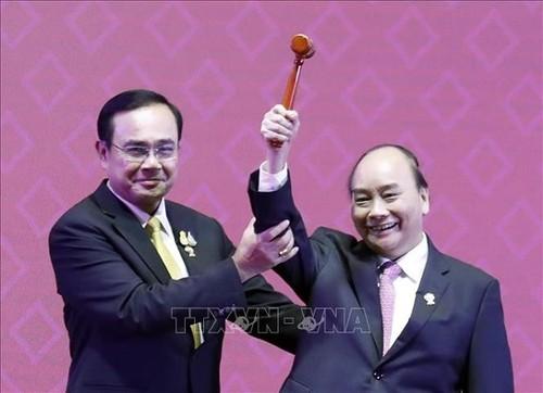 Le Vietnam, 26 ans au sein de l'ASEAN - ảnh 3