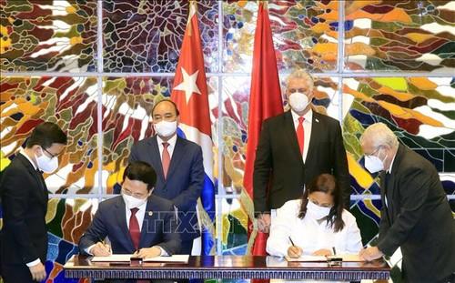 Le Vietnam et Cuba renforcent leur coopération dans l'information et les communications - ảnh 1