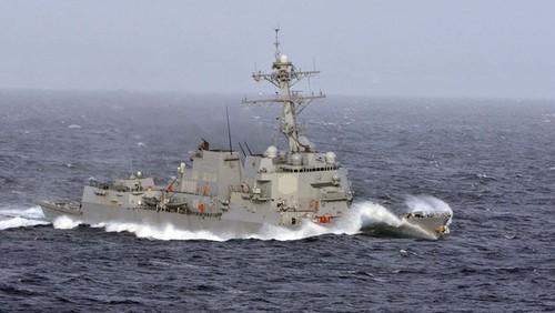 เรือพิฆาตสหรัฐลาดตระเวนในทะเลตะวันออก - ảnh 1