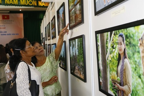 Exhibition on Cambodian culture underway in Can Tho - ảnh 1