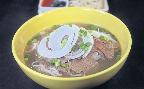 Quán bún bò của đầu bếp Việt kiều được ưa thích nhất ở Bangkok - ảnh 4