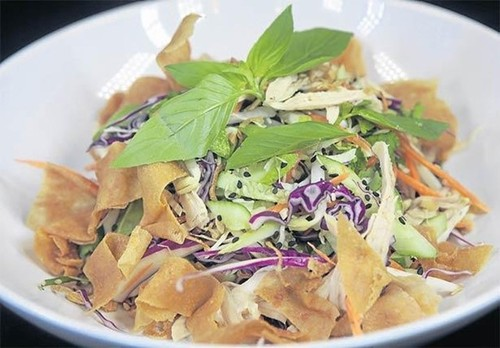 Quán bún bò của đầu bếp Việt kiều được ưa thích nhất ở Bangkok - ảnh 5