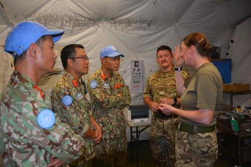 Bệnh viện Dã chiến cấp 2 Việt Nam triển khai tiếp nhận bệnh nhân tại Nam Sudan  - ảnh 8