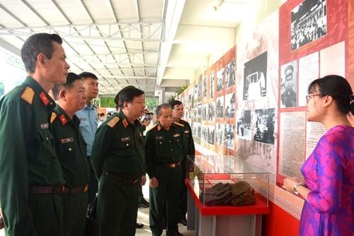 Tưởng niệm các liệt sĩ thực hiện nghĩa vụ quốc tế cao cả tại Campuchia - ảnh 1
