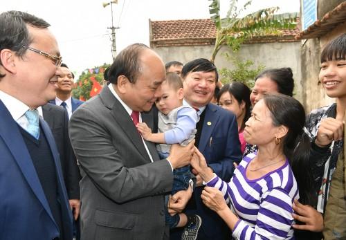 Thủ tướng thăm, chúc Tết người nghèo, gia đình chính sách - ảnh 6