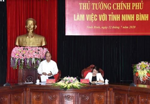 Thủ tướng: Ninh Bình phải trở thành tỉnh có động lực tăng trưởng mạnh - ảnh 2