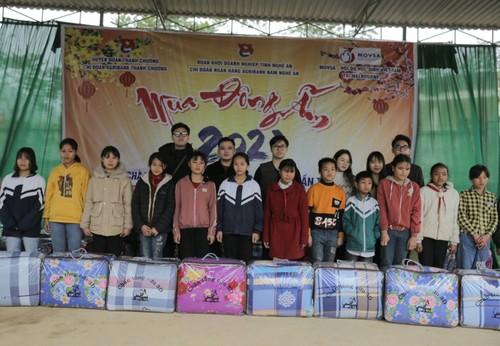 Sinh viên Việt Nam tại Australia đón Tết sum vầy, chia sẻ yêu thương - ảnh 2