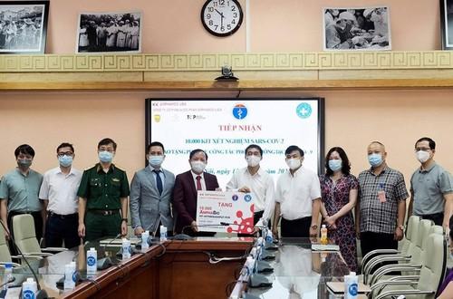 Bộ Y tế tiếp nhận 10.000 bộ kit xét nghiệm COVID-19 - ảnh 1