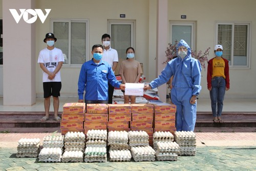 Người Việt tại Lào chung tay vượt qua đại dịch - ảnh 1
