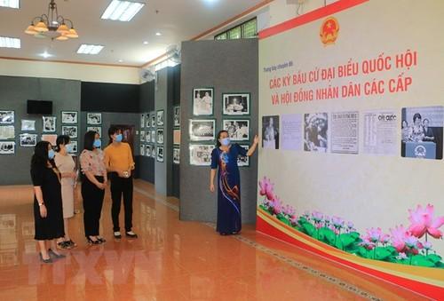 Vĩnh Long trưng bày những hình ảnh đẹp về các kỳ bầu cử - ảnh 1