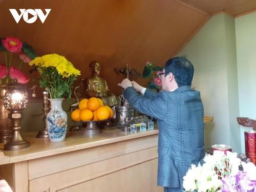 Hoạt động kỷ niệm 131 năm ngày sinh Chủ tịch Hồ Chí Minh tại Ukraine  - ảnh 2