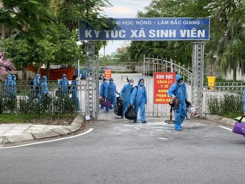 Một ngày ở khu cách ly lớn nhất huyện Việt Yên, tỉnh Bắc Giang - ảnh 1