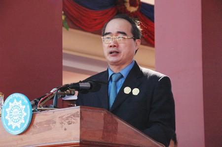 Gặp gỡ Chủ tịch Mặt trận 3 nước Campuchia-Việt Nam-Lào - ảnh 1