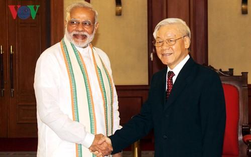 Tổng Bí thư Nguyễn Phú Trọng, Chủ tịch nước Trần Đại Quang tiếp Thủ tướng CH Ấn Độ Narendra Modi - ảnh 1
