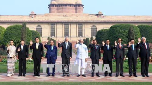 Hoạt động song phương của Thủ tướng Nguyễn Xuân Phúc bên lề Hội nghị cấp cao kỷ niệm ASEAN - Ấn Độ - ảnh 1