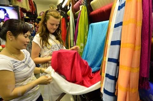 Đặc sắc Tuần văn hóa, du lịch, thương mại làng nghề dệt lụa Vạn Phúc  - ảnh 1