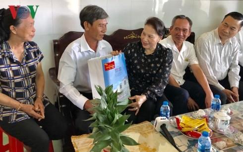 Lãnh đạo Đảng, Nhà nước chúc tết đồng bào các địa phương - ảnh 1