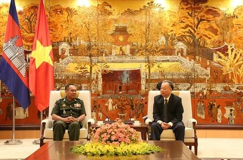 Thủ đô Hà Nội - Phnom Penh thúc đẩy mối quan hệ hữu nghị, hợp tác tốt đẹp - ảnh 1