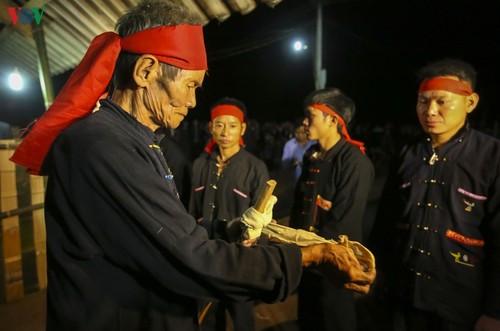 Lễ Nhảy lửa (Nhìang Chằng Đao) của người dân tộc Dao đỏ tại Điện Biên - ảnh 2