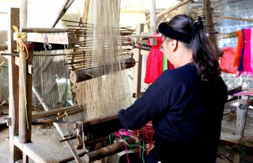 Nghề dệt truyền thống của dân tộc Tày ở Cao Bằng - ảnh 2