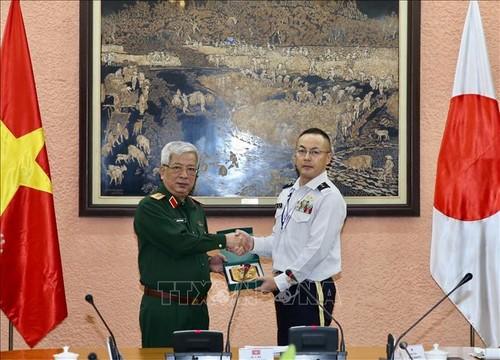 Đoàn Sĩ quan Bộ Quốc phòng Nhật Bản thăm Việt Nam - ảnh 1