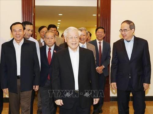 Bộ Chính trị họp bàn về Đề án phát triển tỉnh Thừa Thiên Huế và thành phố Buôn Ma Thuột - ảnh 1