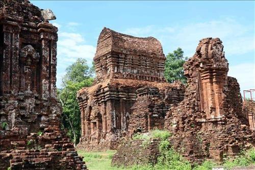 """Trưng bày """"Tiến trình bảo tồn và phát triển Di sản Văn hóa thế giới Mỹ Sơn"""" - ảnh 1"""
