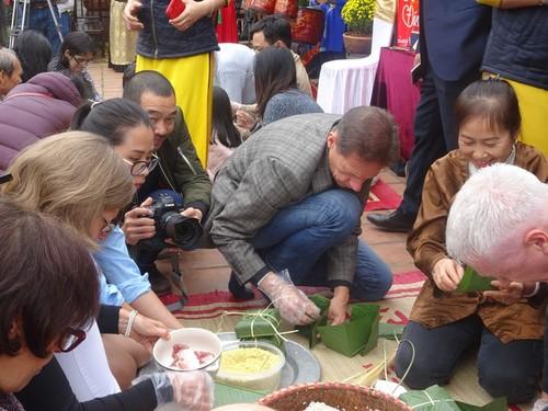 Các đại sứ nước ngoài cảm nhận về Tết cổ truyền Việt Nam - ảnh 8