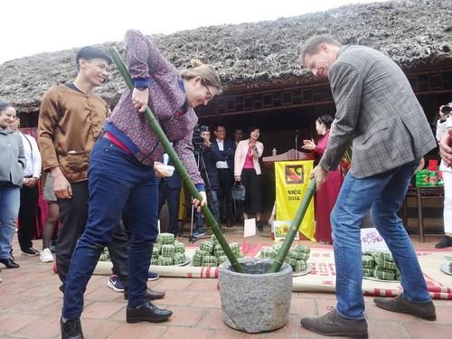 Các đại sứ nước ngoài cảm nhận về Tết cổ truyền Việt Nam - ảnh 1