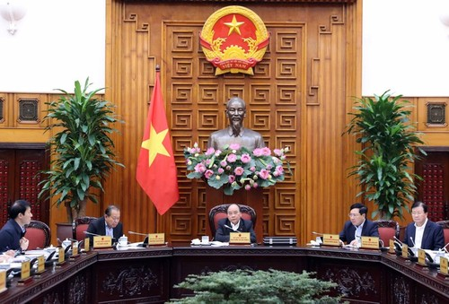 Thủ tướng Nguyễn Xuân Phúc chủ trì cuộc họp thường trực Chính phủ về tháo gỡ vướng mắc, khó khăn cho ngành mía đường - ảnh 1