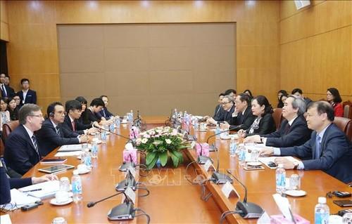 Trưởng ban Kinh tế Trung ương Nguyễn Văn Bình tiếp Đoàn Hội đồng Kinh doanh Hoa Kỳ - ASEAN  - ảnh 1