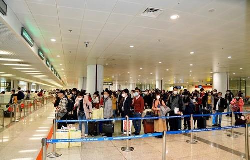 Cả nghìn người Việt tại châu Âu, ASEAN ồ ạt hồi hương, sân bay quá tải - ảnh 2