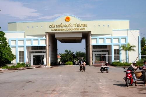 Bộ Ngoại giao điều chỉnh quy định qua lại tại các cửa khẩu biên giới với Campuchia và Lào - ảnh 1