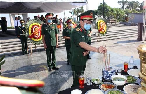 Quảng Trị truy điệu và an táng những hài cốt liệt sĩ Việt Nam hy sinh tại Lào - ảnh 1