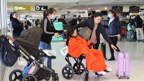 Việt Nam tiếp tục đưa công dân từ Australia về nước - ảnh 1