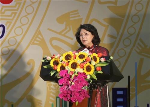 Phó Chủ tịch nước Đặng Thị Ngọc Thịnh khích lệ các phong trào thi đua tỉnh Lạng Sơn - ảnh 1