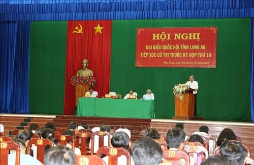 Phó Thủ tướng Thường trực Trương Hòa Bình tiếp xúc cử tri tại Long An - ảnh 1