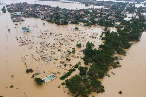 Mỹ hỗ trợ cho các tỉnh miền Trung Việt Nam bị ảnh hưởng lũ lụt - ảnh 1