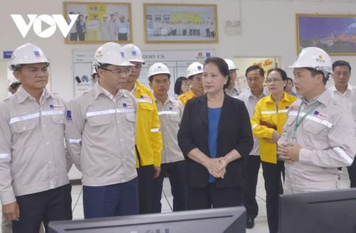 Chủ tịch Quốc hội Nguyễn Thị Kim Ngân làm việc tại tỉnh Cà Mau - ảnh 2